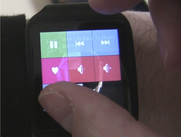 Faster Command Selection on Touchscreen Watches